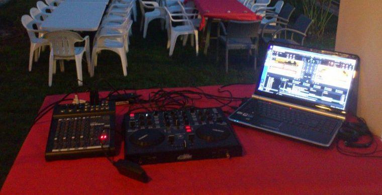 Mesas de mezclas dj baratas tipo controlador pioneer for Programa mesa de mezclas